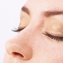 鼻の調整の施術