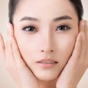 顔の脂肪吸引後のダウンタイムで気になる、腫れと内出血の実態