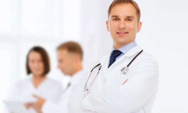 脂肪注入豊胸で失敗するドクターはどっち?